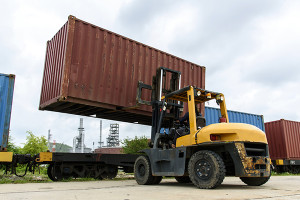 Cargo container lift truck